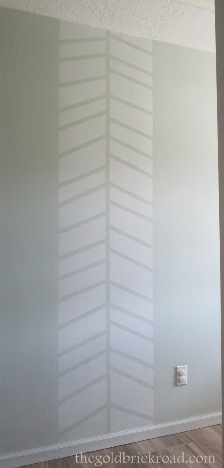 Herringbone Accent // thegoldbrickroad.com