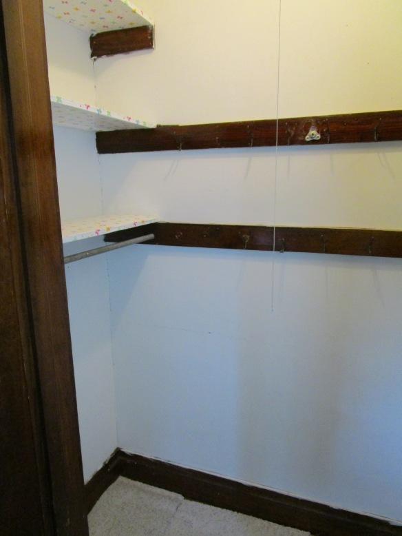 Closet Redo // thegoldbrickroad.com