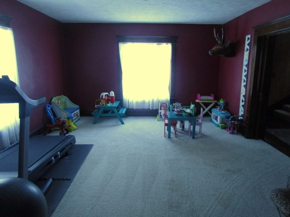 rec room // thegoldbrickroad.com